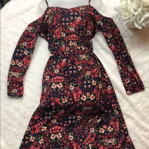 Beautiful dress and colorful dress just for you!💐